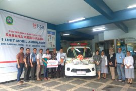 BNI Jambi serahkan ambulans tingkatkan pelayanan kesehatan