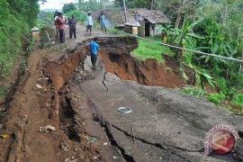 Malang waspadai bencana tanah longsor
