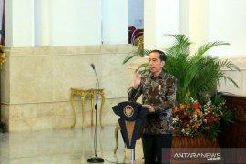 Presiden Jokowi minta kepala daerah bantu permudah investasi