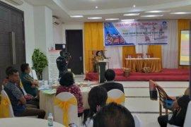 Museum Siwalima gagas diskusi terumpun masa depan tenun MBD