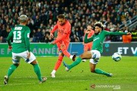 Liga Prancis - PSG kokoh di puncak klasemen setelah pesta gol lawan Saint-Etienne 4-0