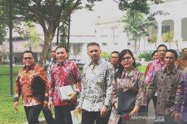 Bertemu Jokowi, PSSI minta jaminan kepastian kerja insan persepakbolaan
