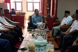 Jalin silaturahmu, DMI audiensi dengan Ketua DPRD Surabaya