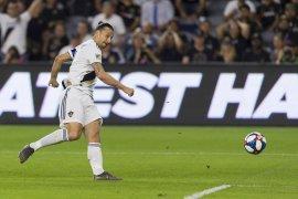 Milan tak mau rekrut Ibrahimovic