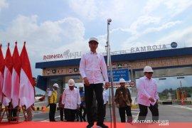 """Presiden Jokowi """"kulo nuwun"""" ke tokoh adat Kaltim"""