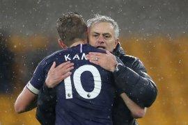 Striker Tottenham Hotspur Harry Kane cedera, Mourinho khawatir kehilangan