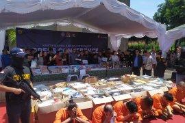 Dua warga Hongkong selundupkan 7 kg sabu-sabu ditangkap Bea Cukai