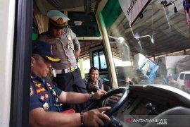Polresta dan Dishub Cirebon cek kelaikan kendaraan umum