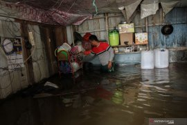 Enam warga meninggal akibat banjir dan longsor  di Riau