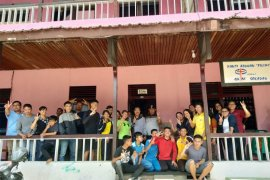 Kuatkan pendidikan karakter, SMP Panca Setya 2 Bantu Panti Asuhan