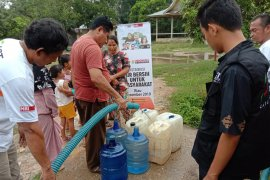 ACT Riau distribusikan air bersih di Desa Lubuk Kuranji
