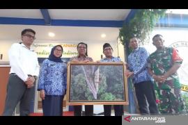 Pusat Informasi Taman Nasional Gunung Palung Sukadana diresmikan