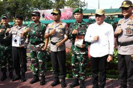 Panglima TNI berikan penghargaan kepada dua prajurit TNI-Polri berprestasi