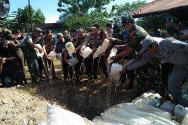 Kapolda Maluku musnahkan 6,3 ton miras tradisional