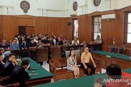 Pengadilan vonis Henry Gunawan tiga tahun penjara