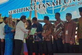Menteri ATR ingatkan warga tidak sembarangan agunkan sertifikat tanah