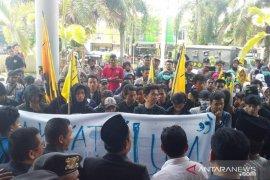 Untuk mendesak revisi Perda RTRW, PMII Jember demo
