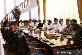 Gubernur minta Dermaga Benoa utamakan arsitektur dan filosofi Bali