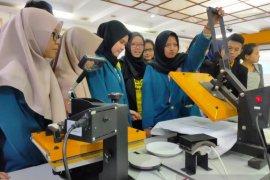 Cari peluang usaha, mahasiswa politeknik Ubaya dilatih jadi wirausahawan