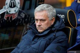 Mourinho: Tottenham tak perlu belanja pemain