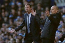 Arsenal ditahan imbang Everton skor 0-0