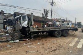 Tujuh orang tewas dalam kecelakaan beruntun di Pasuruan
