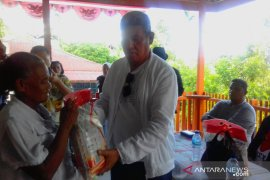 Bupati Malra sambangi ohoi di Kei Besar gelar pasar murah