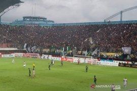 Tira Persikabo ditekuk PSS dengan skor 2-5 di laga pamungkas Liga 1