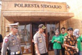 Polresta Sidoarjo dirikan Pos Pelayanan Natal ramah lingkungan