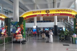 Arus mudik Nataru penumpang pesawat di Bandara Kualanamu ramai