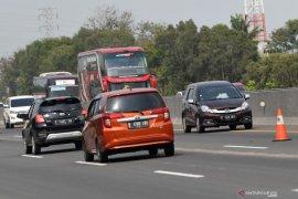 """""""Contraflow"""" diberlakukan di Tol Jakarta-Cikampek pada arus balik Natal"""