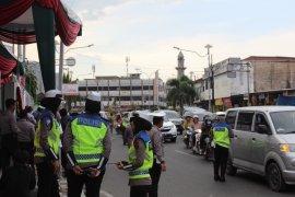 Pengamanan jelang misa Natal di Bandarlampung Page 1 Small