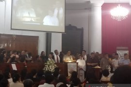 Anies berharap jemaat turut doakan Jakarta
