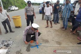Sepmor tabrak mobil box berhenti, seorang bocah meninggal di Aceh Jaya