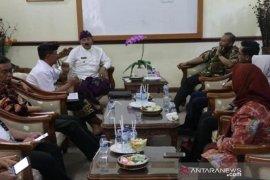 Pemkab Karangasem gandeng BBKB Yogyakarta kembangkan Tenun Endek Sidemen