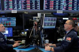 Wall Street jatuh saat virus China hingga Amerika Serikat