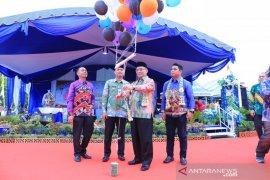 Permainan tradisional hingga pasar murah meriahkan hari jadi Kecamatan Kandangan