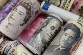 Dolar AS melemah tipis dalam perdagangan pada hari libur