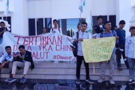 Sejumlah elemen mahasiswa di Malut minta pemprov perketat pengawasan TKA