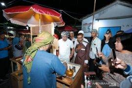 Liburan akhir tahun, Ridwan Kamil juga menikmati kuliner Banyuwangi