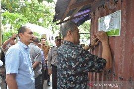 Pemko Sabang beri tanda rumah penerima PKH agar tepat sasaran