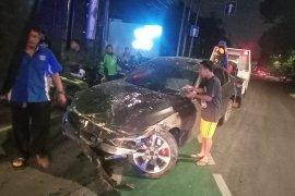 Dua korban tabrakan mobil dan sepeda di Jaksel dirawat inap