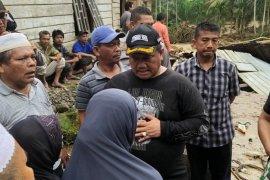 Sejumlah rumah dan infrastruktur rusak, Bupati Labura tinjau lokasi banjir bandang