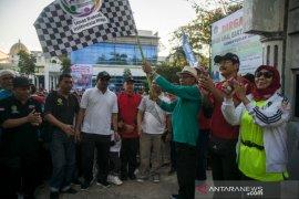 Ribuan warga perebutkan hadiah umrah di jalan santai HAB Kemenag Aceh
