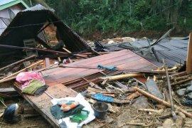 BPBD Sumut: Banjir di Labura, satu keluarga hilang