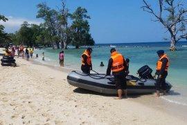 Tim SAR Brimob pantau pantai wisata di Aceh
