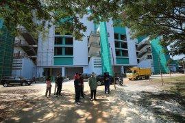 Wali Kota Risma tinjau pembangunan lapangan baru di Stadion GBT