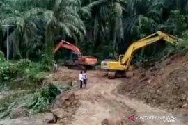 Gerak cepat, jalan rusak akibat banjir bandang sudah bisa dilalui