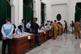 BNNP Jabar tes urine PNS di Gedung Sate Bandung