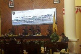 DPRD Tabalong sahkan Raperda retribusi parkir